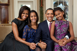 barack_obama_family_portrait-jpg