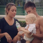 carolina-dantas-and-neymar-holding-their-son