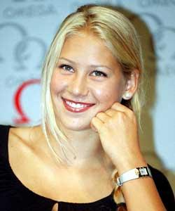 For Anna kournikova breast size agree with