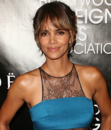 Halle Berry Weight Height Body Stats Size, Address Phone ...