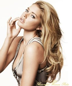 Doutzen Kroes profile