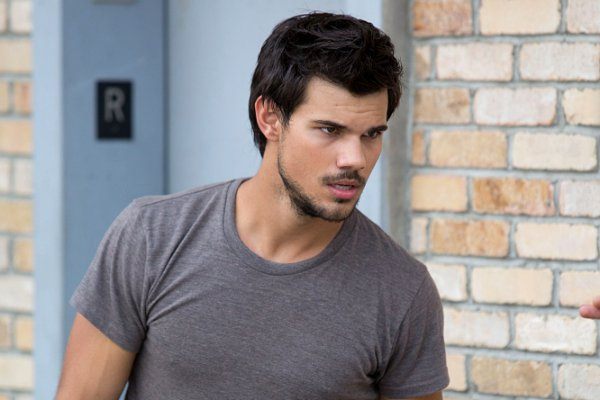 Taylor lautner date of birth