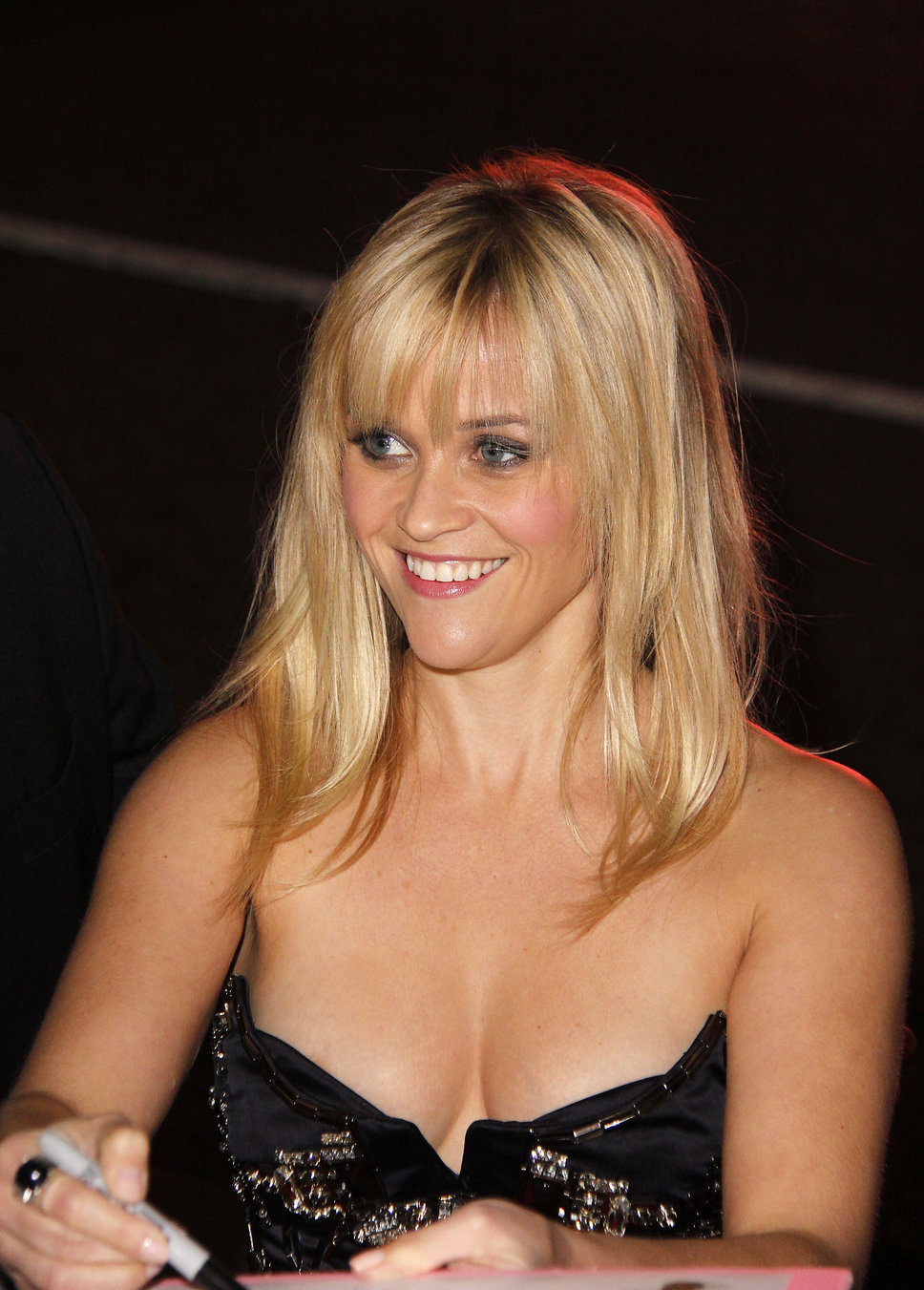 hq celebrity pictures: Reese Witherspoon hd wallpapers